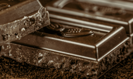 Health benefits and risks of chocolate